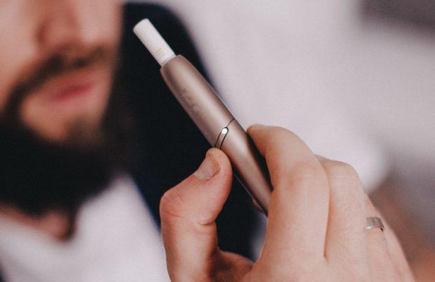 Майже кожен п'ятий підліток курить електронні сигарети 6