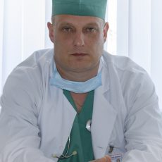Лікарі 13