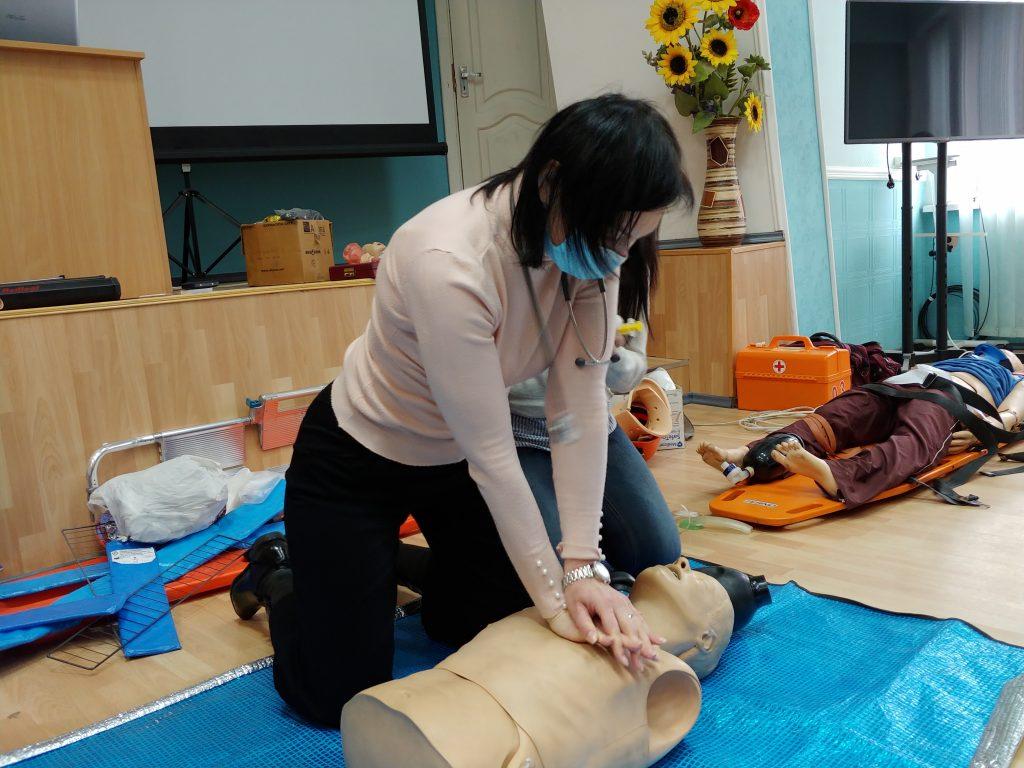 12-ти годинний курс з надання невідкладної медичної допомоги. 14