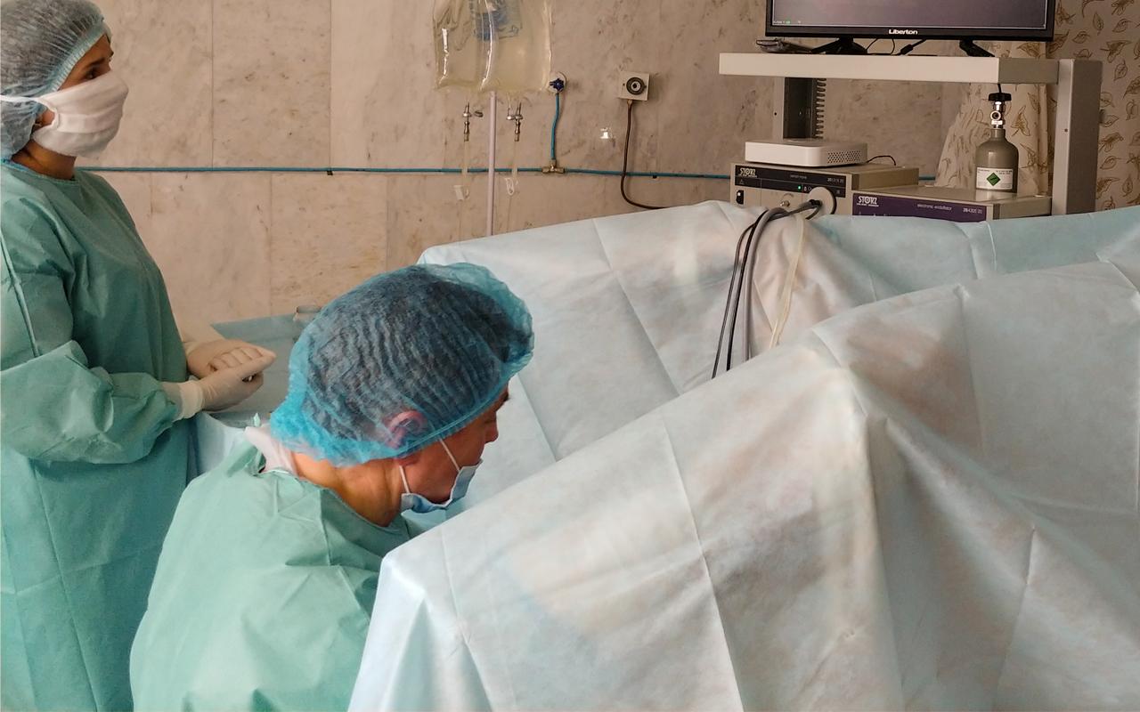 Перша трансуретральна резекці в Чернівецькій області за допомогою біполярного резектоскопа проведена в стінах нашого онкоцентру. 8