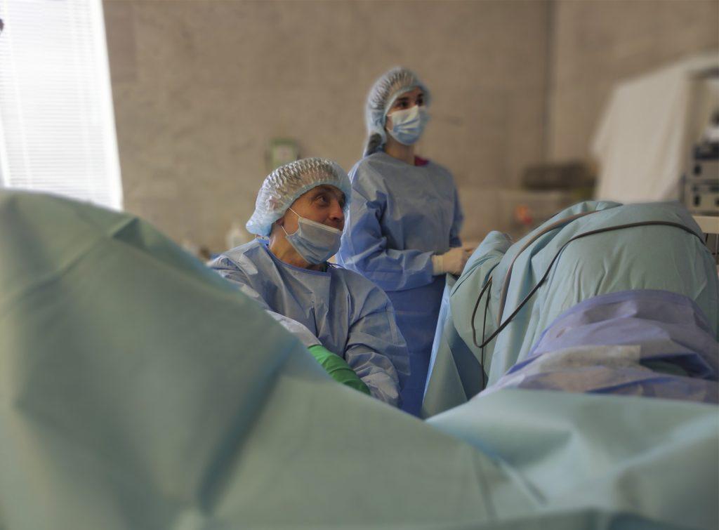 Розсічення стриктури мембранозрого відділу уретри, трансуретральна резекція простати. 2