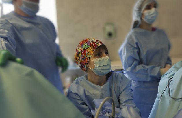 Розсічення стриктури мембранозрого відділу уретри, трансуретральна резекція простати. 6